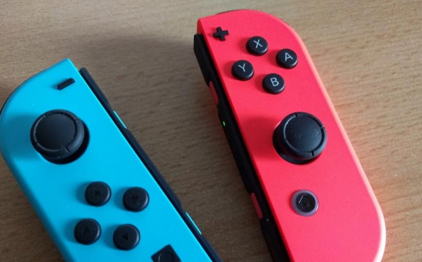 Zwei Joycons für die Nintendo Switch